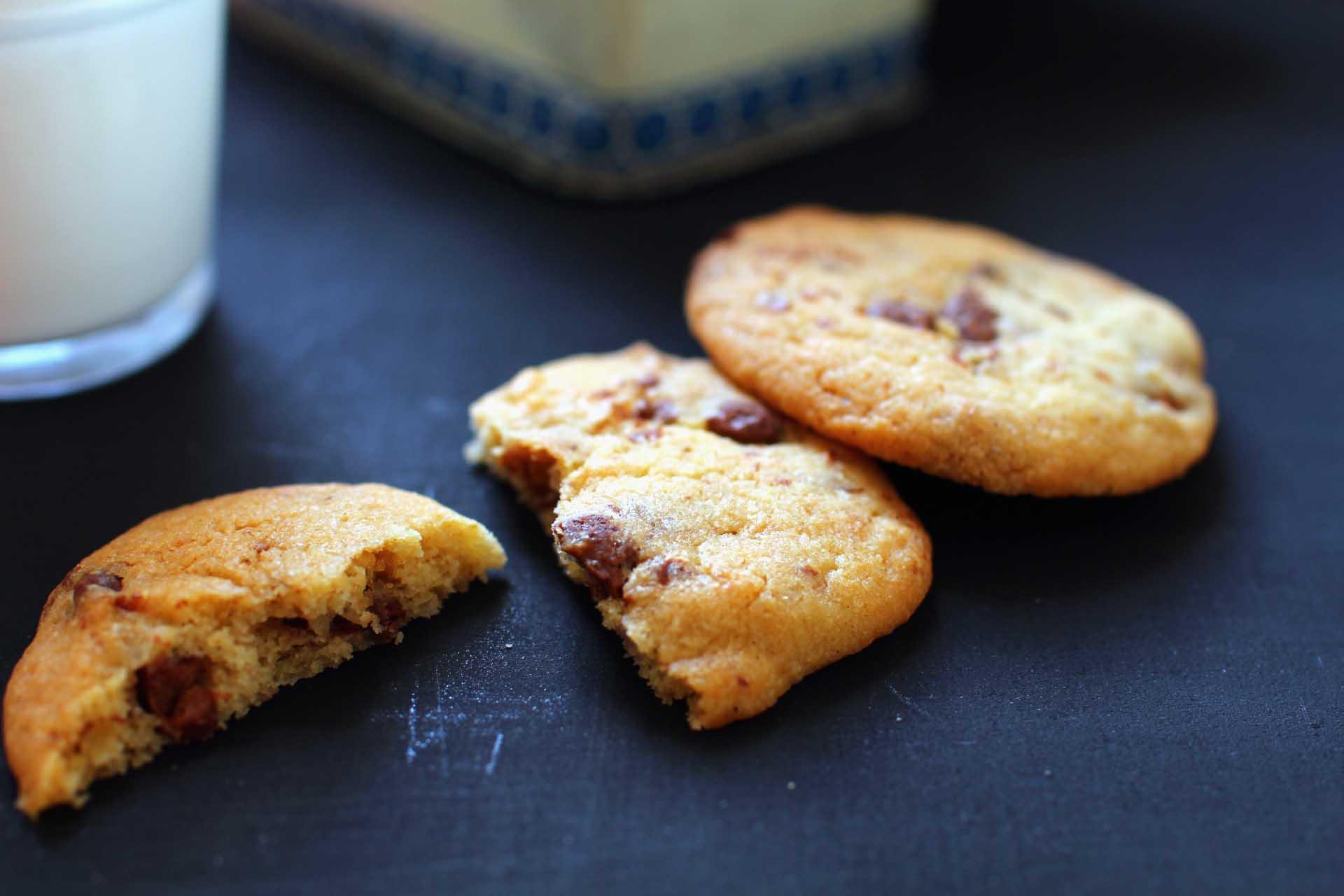 Cookies aux p pites de beurre de cacahu te chocolat inspiration laura todd royal chill - Recette cookies laura todd ...