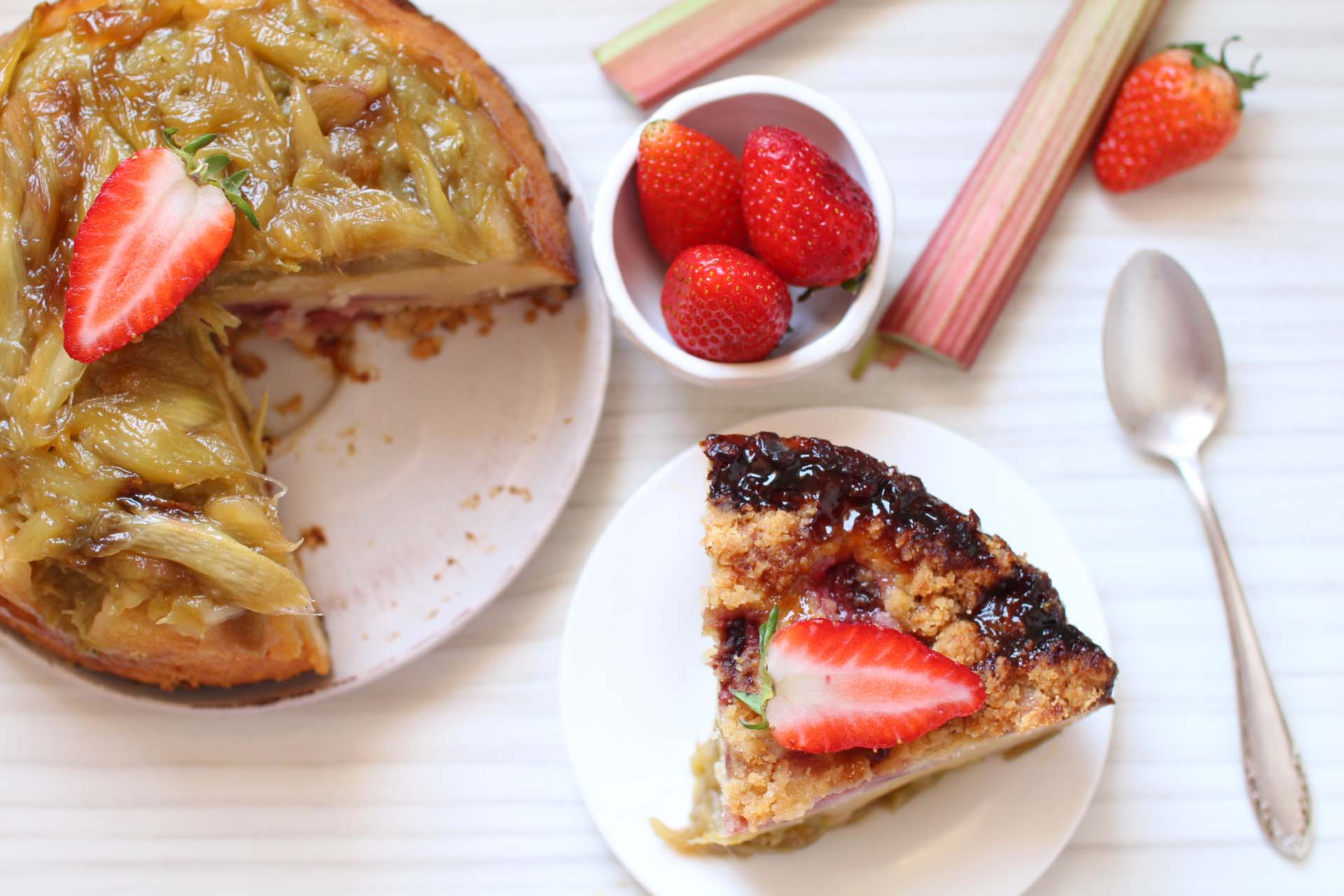 gateau renverse rhubarbe fraises martha stewart