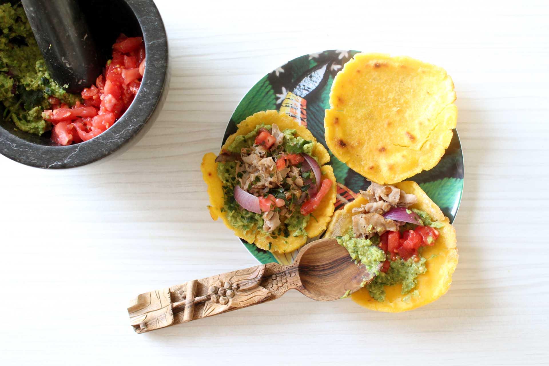 tacos maison Tacos maison : galettes de maïs, guacamole et boeuf aux oignons