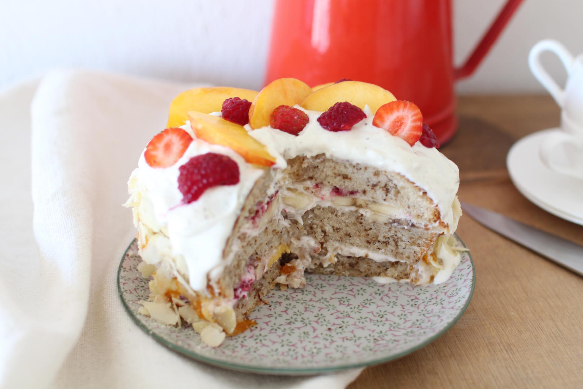 layer cake nectarines fraises trish deseine