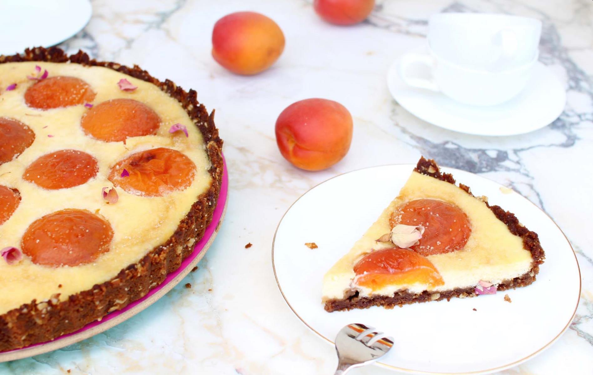 tarte cheesecake part abricots pâtisserie