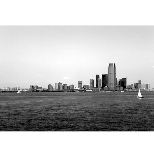 #newyork : miss you. #usa #travel #roadtrip #instagood #explore #vsco #liveauthentic #boat #love