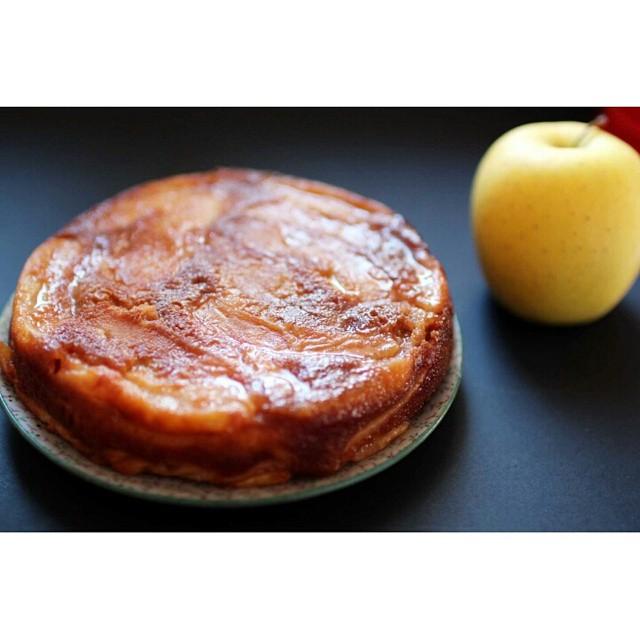 Vous connaissez l'invisible ? Un gâteau super fondant avec plus de #pommes que de pâte... on l'a testé ce week-end et c'était trop bon ! #apple #cake #recette #recipe #food #foodporn #yummy #instagood #instafood #gateau #explore http://www.royalchill.com/2014/10/20/gateau-fondant-aux-pommes-invisible/
