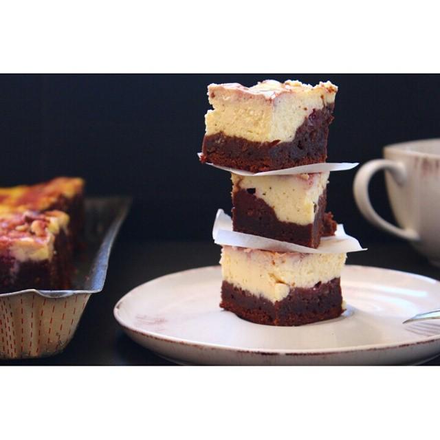#Brownie time ! Histoire de se réconforter un peu on a préparé un brownie marbré au #creamcheese et aux #framboises http://www.royalchill.com/2015/02/13/brownie-marbre-aux-framboises/  #food #foodporn #instafood #instagram #instagood #vscofood #liveauthentic #livefolk #miam #raspberry #chocolate #chocolat #recipe #recette #foodblog