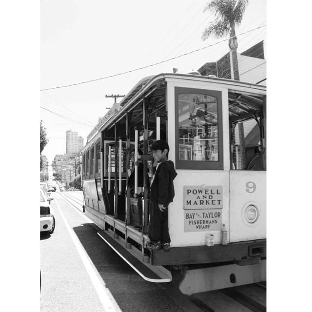 Remember #sanfrancisco ?#street #cablecar http://www.royalchill.com/2013/09/06/road-trip-usa-vii-san-francisco-en-deux-jours/ #vsco #vscocam #instagram #roadtrip #instagood #usa #town