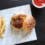 Burger montagnard 100% homemade ! [Tomme-bacon-oignons caramélisés]