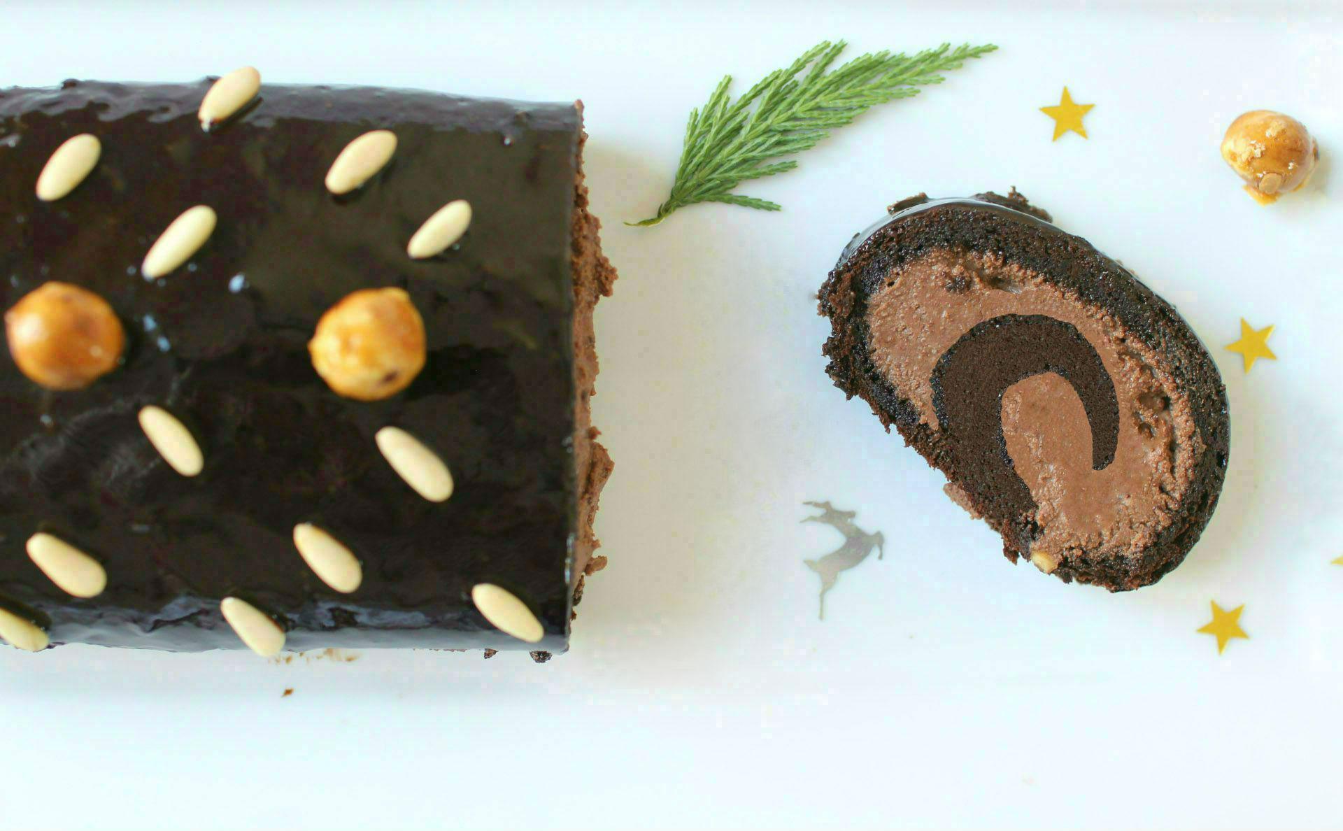 recette-buche-noel-roulee-noisettes-chocolat_lignac-fin