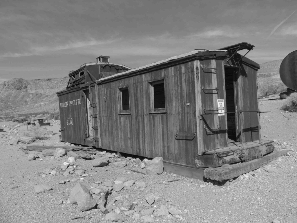 rhyolite death valley (2)