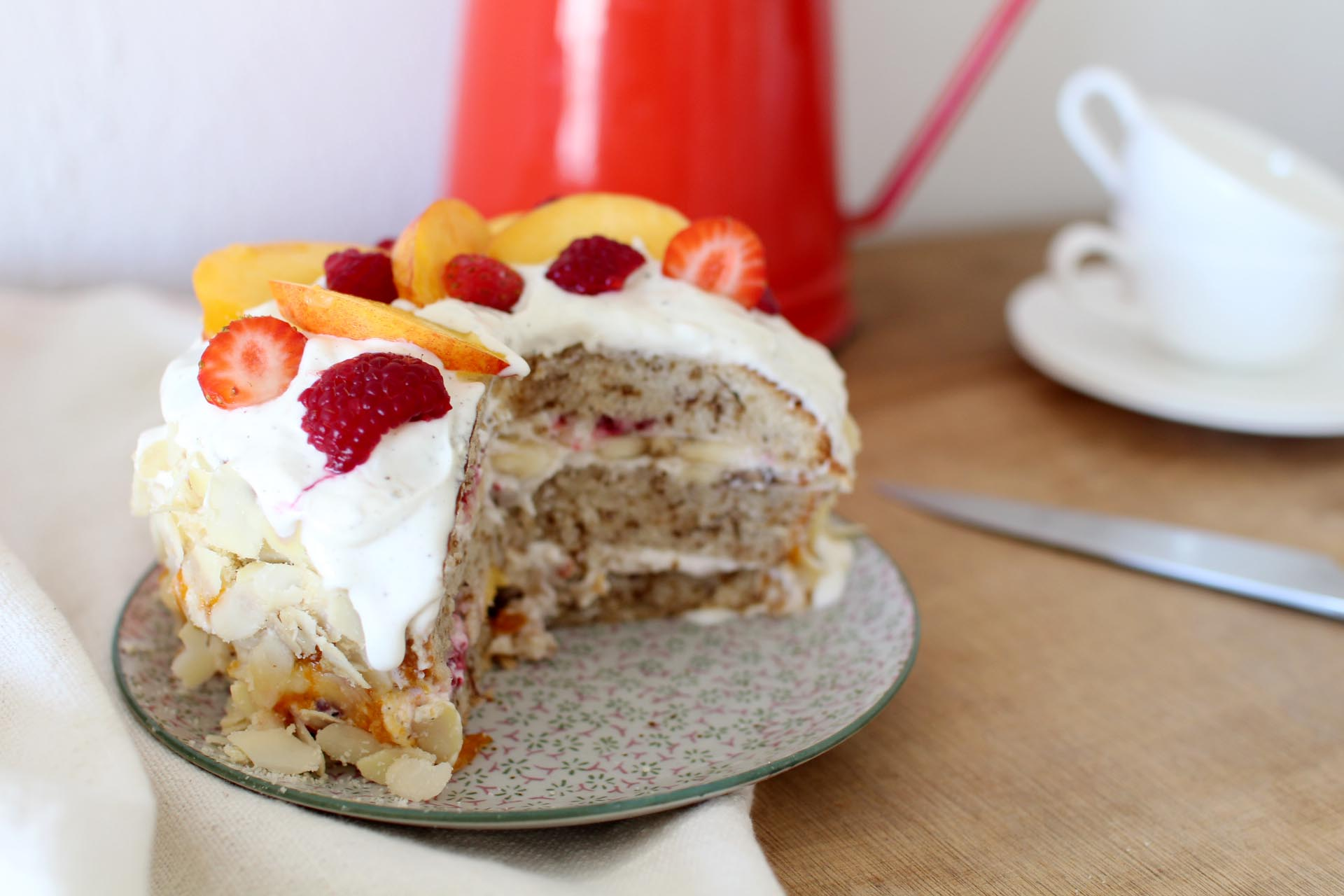 layer cake nectarines framboises trish deseine