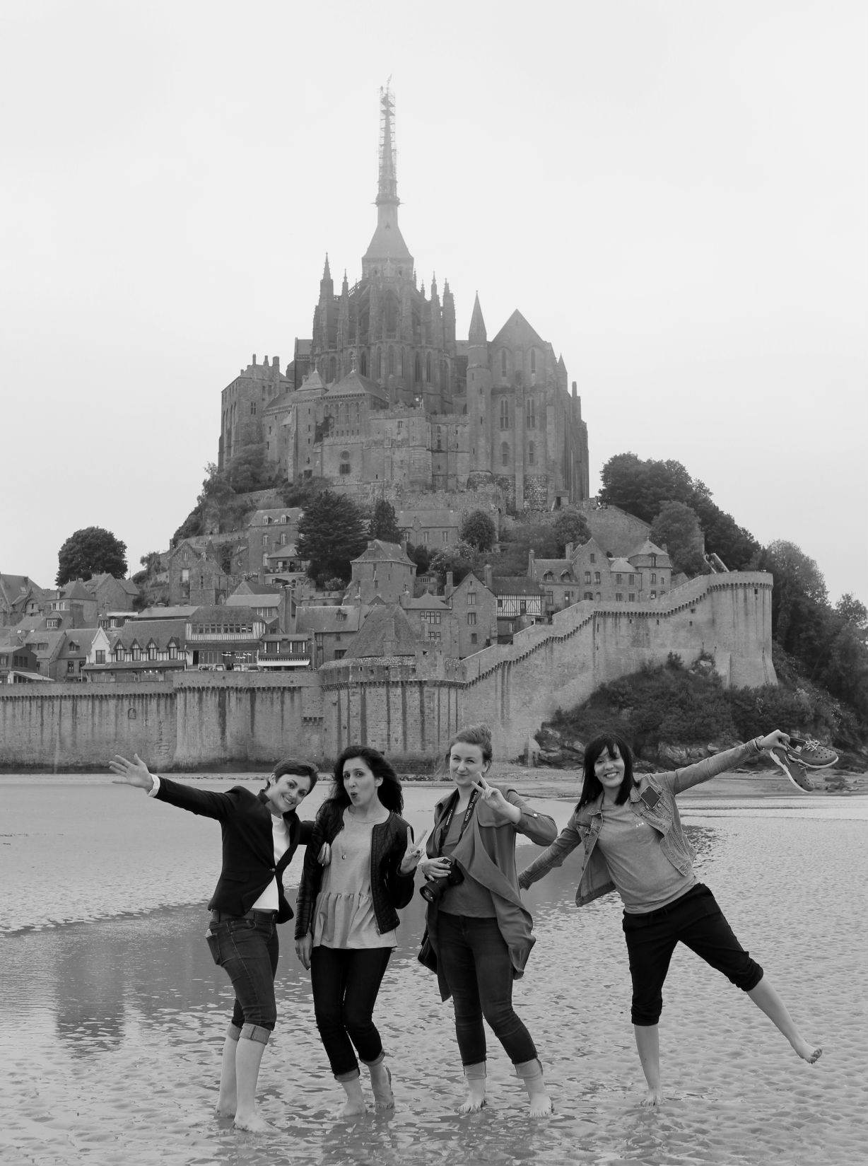 photo groupe saut mont saint michel 2